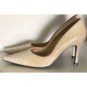Stuart Weitzman Shoes - STUART WEITZMAN LEATHER SNAKE SHOES HEELS SZ 7.5